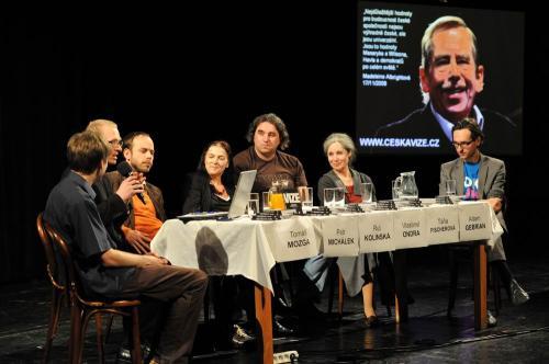 Zlínské jaro 2011: Demokracie je zahrada, o kterou je třeba pečovat